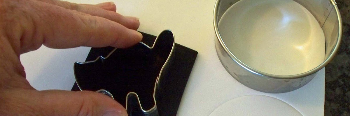 how-to-cut-styrofoam-with-cookie-cutters