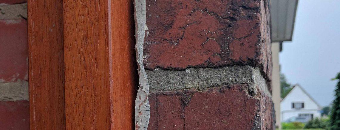 Removing-Caulk-From-brick